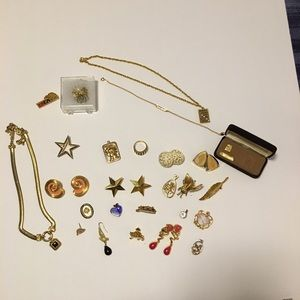 Vintage Jewelry Grab lot of 26